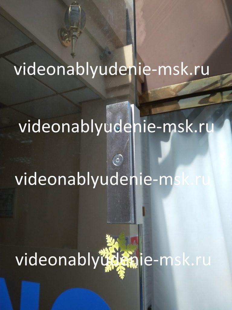 Магнитный замок на стеклянную дверь